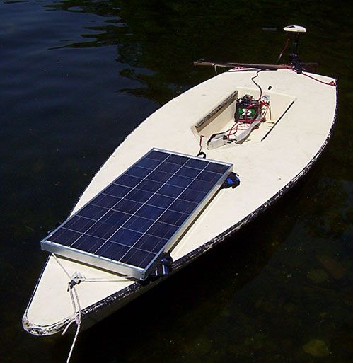 Motor Battery And Solar Panels For A Boat Fuel Economy
